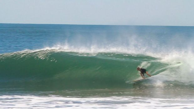 Offshore Hollow Waves at the Boom